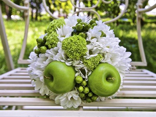 Декор из яблок