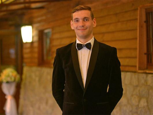 Ведущий Николай Волков