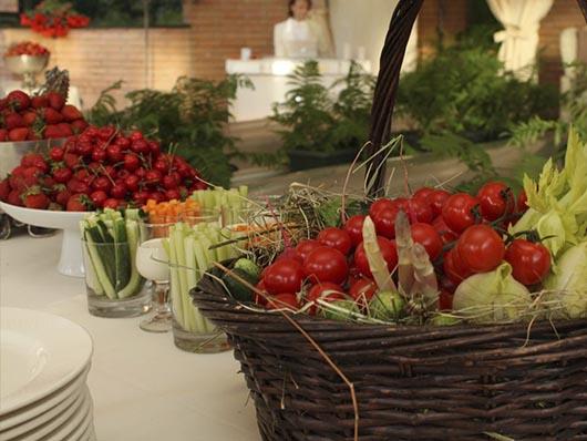 Свежие летние овощи