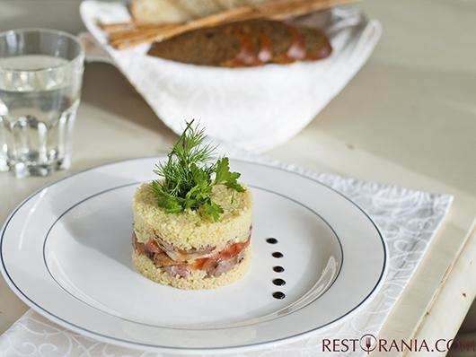 теплый салат с кус-кусом и уткой