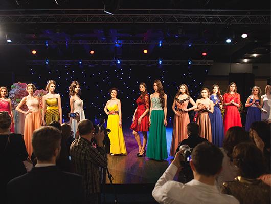 Показ вечерних платьев от салона Royal Bridal