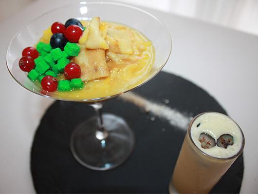 Фламбированный креп-сюзэтт с ванильным мороженым