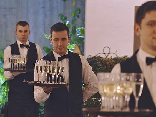 Свадьба в стиле 'Церемония Бракосочетания и бокал шампанского'