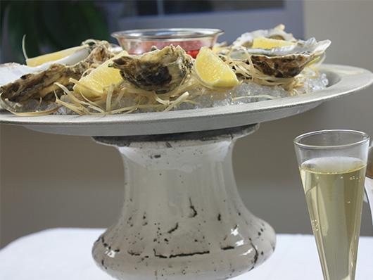 Устрицы и шампанское