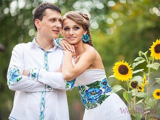 Свадебные корсеты в украинском стиле – очаровательное украшение