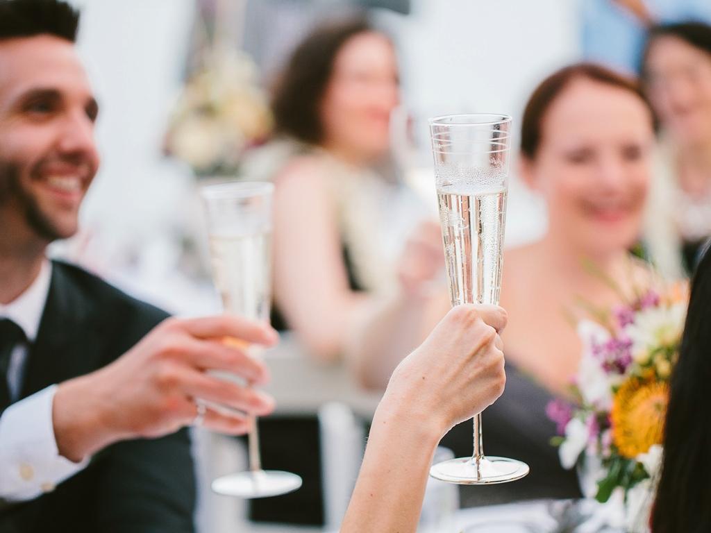 Тосты на свадьбу за молодых на свадьбе прикольные