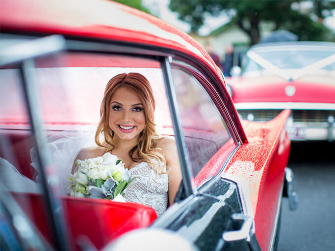 Невеста в машине