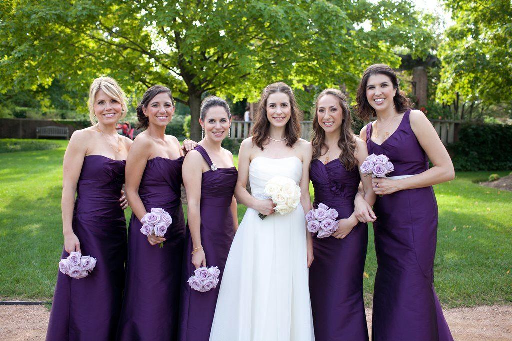 Невеста со свидетельницами