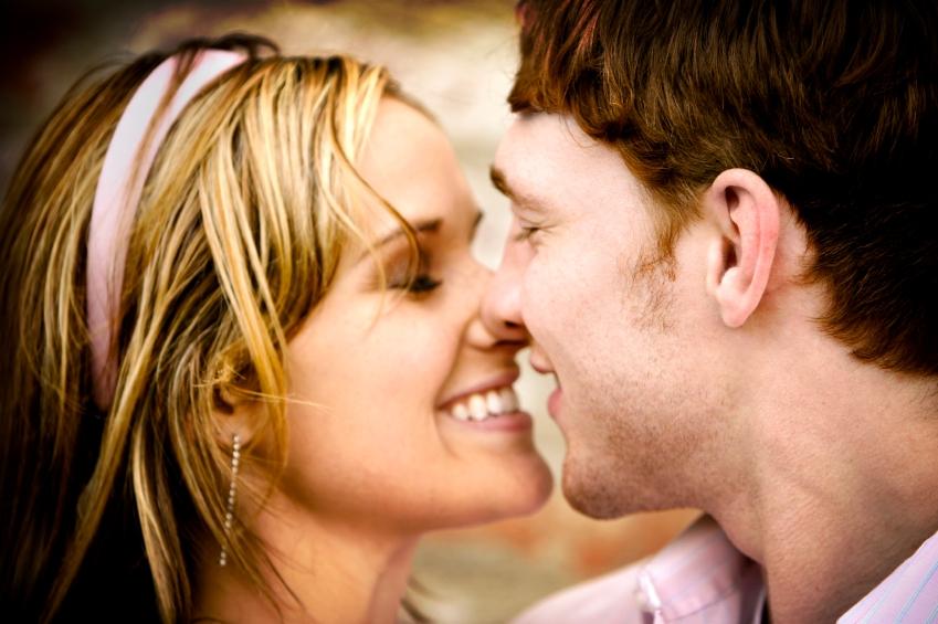 когда можно поцеловать девушку после знакомства