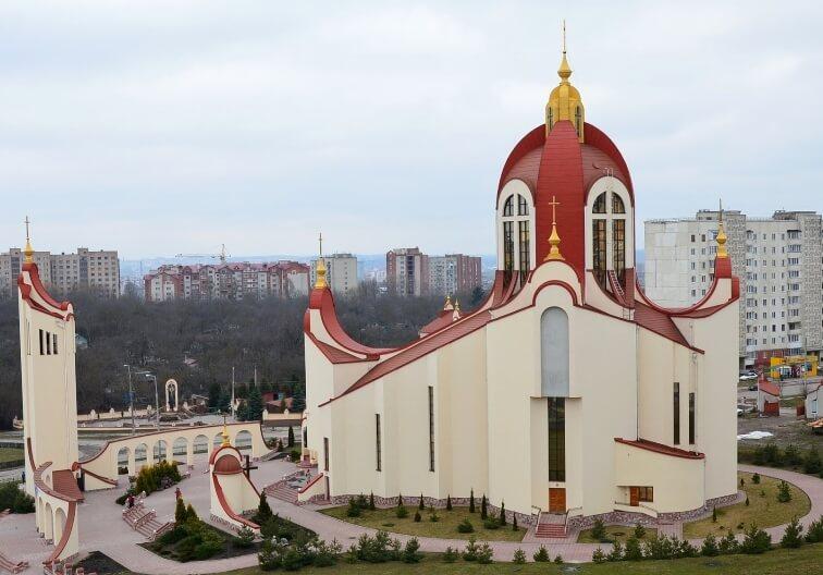 Греко-католическая Церковь Святых Петра и Павла в Тернополе