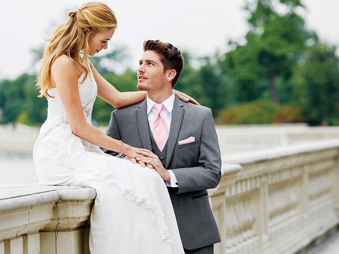 На прокат свадебный костюм