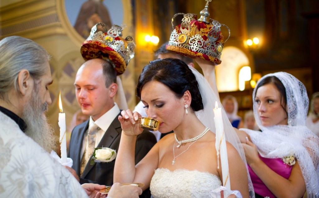 От помолвки до свадьбы сколько проходит времени