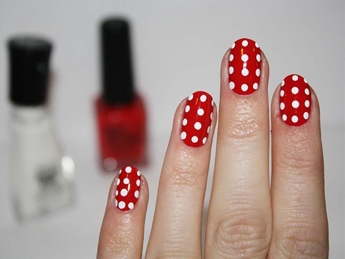 Накрашенные короткие ногти