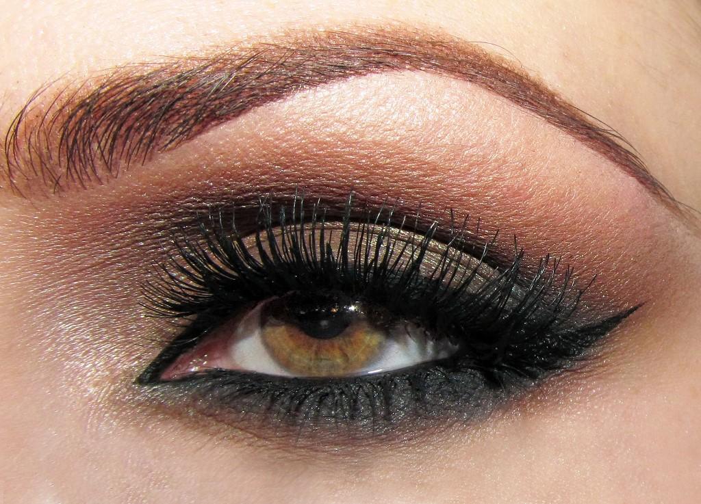 Smokey eyes makeup pictures