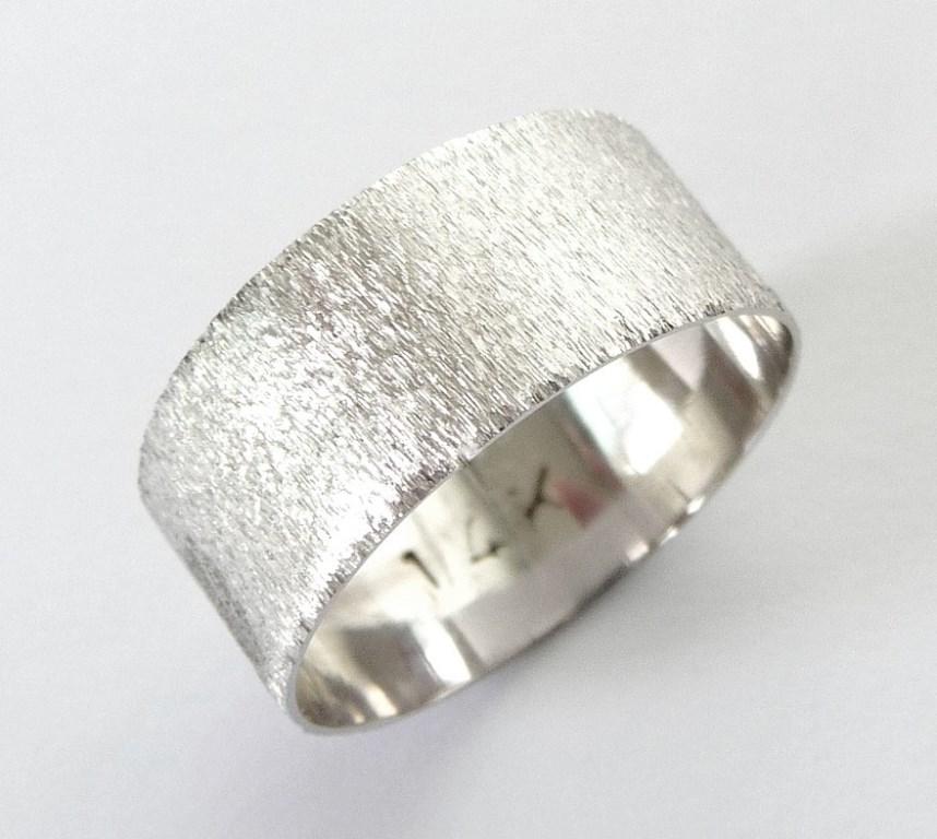 белые обручальные кольца