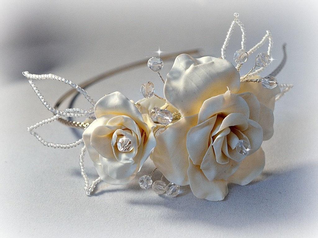 Как происходит лепка свадебных цветов из холодного фарфора?