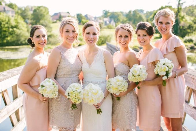 Хто може бути дружкою на весіллі  0be83fb64af47