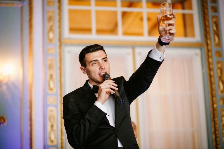 Преимущества радио и телеведущих в проведение свадеб