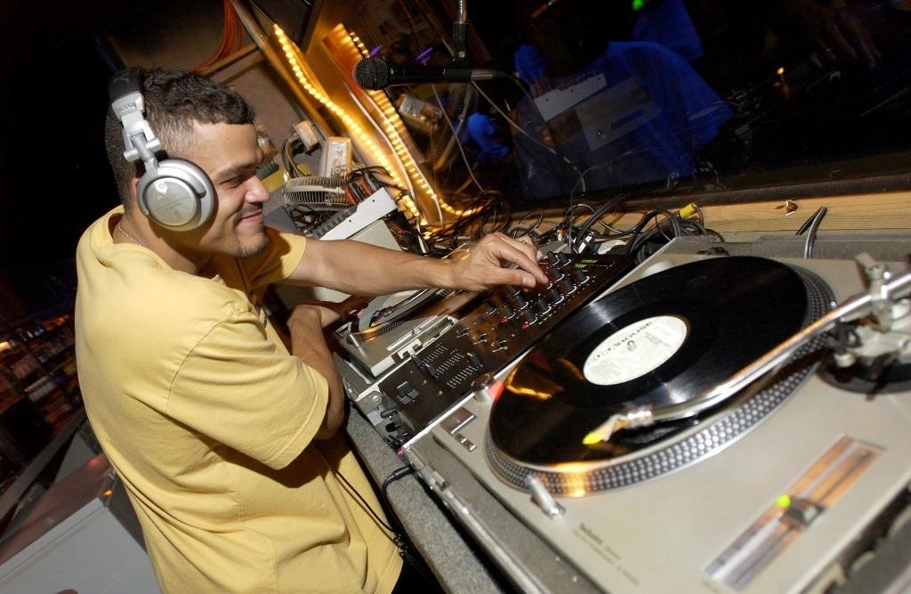 DJ и клубная музыка на Вашей свадьбе