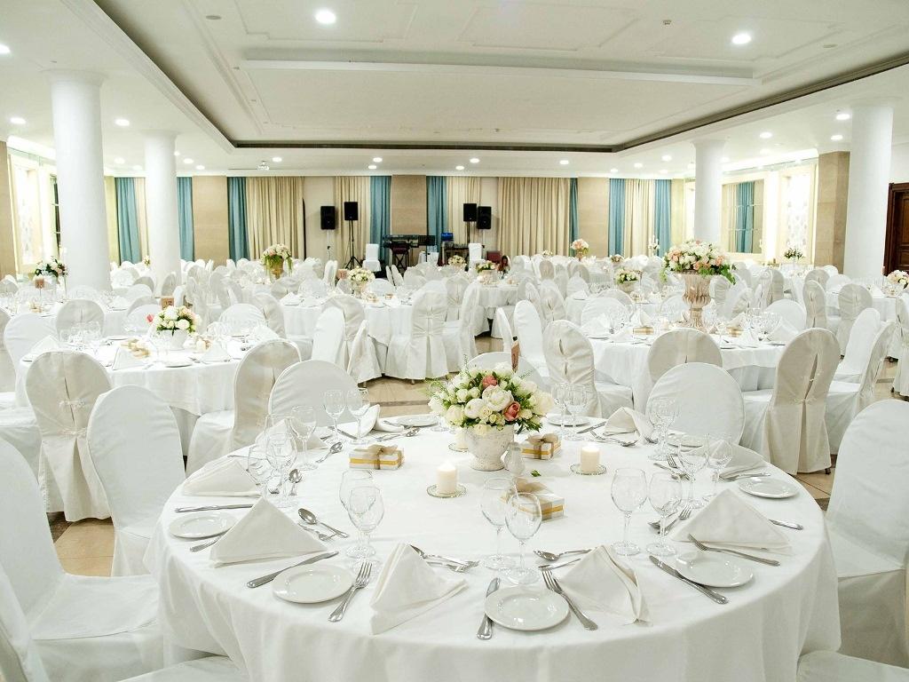 Проведение свадебных банкетов в гостинице - почему это удобно?