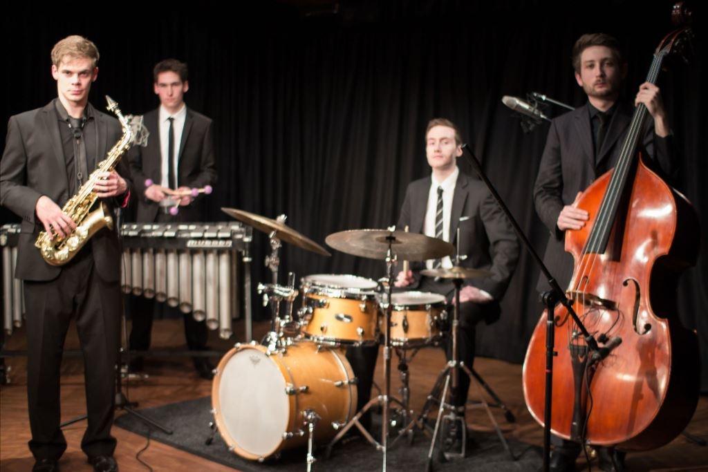 джаз–бенд