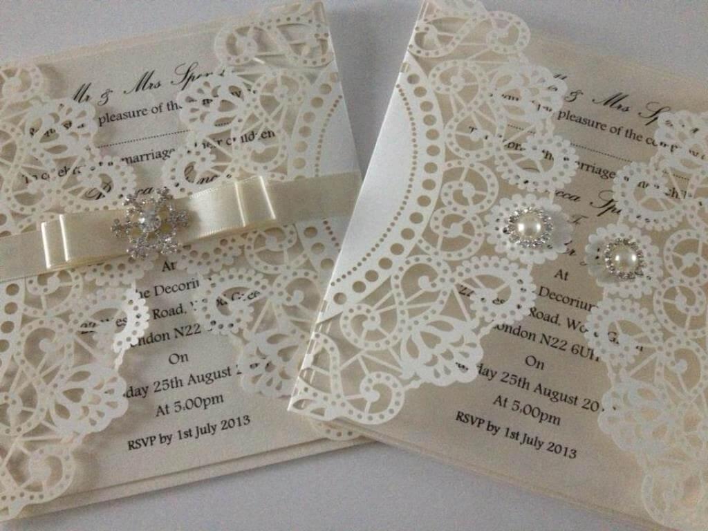 Использование высечки в свадебной полиграфии