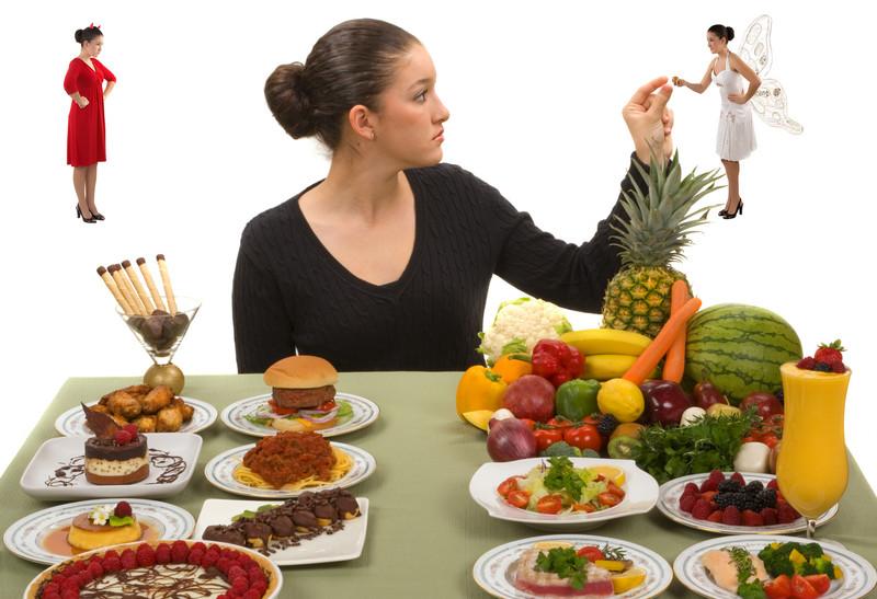 Выбор между здоровой и нездоровой пищей