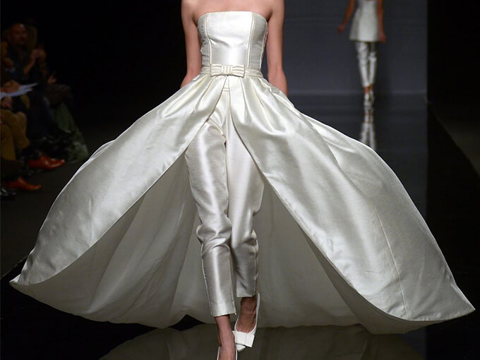 Женские свадебные костюмы
