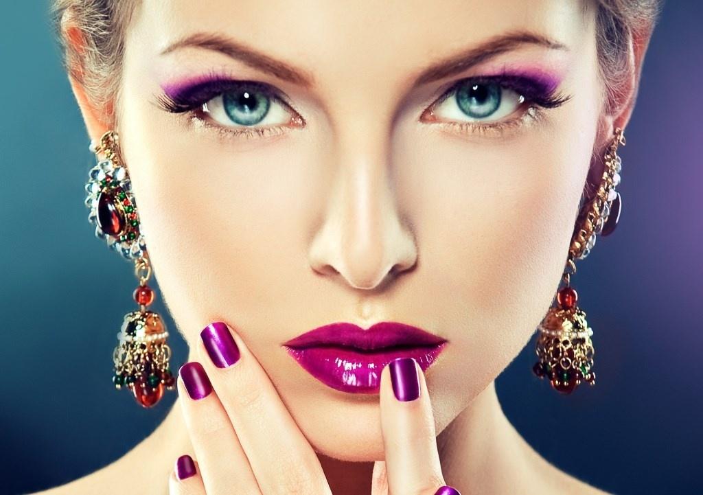 Нюансы нанесения макияжа