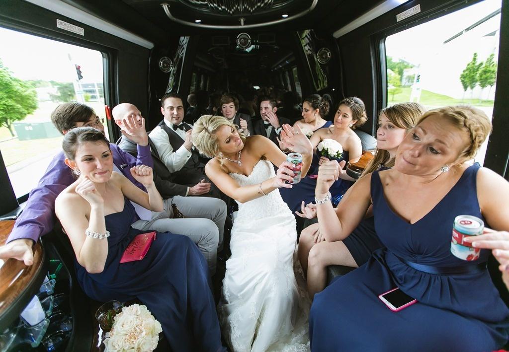 Свадьба на природе – выбираем правильный транспорт