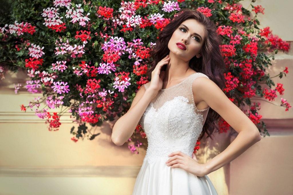 Платье от студии свадебной моды 'Hadassa'