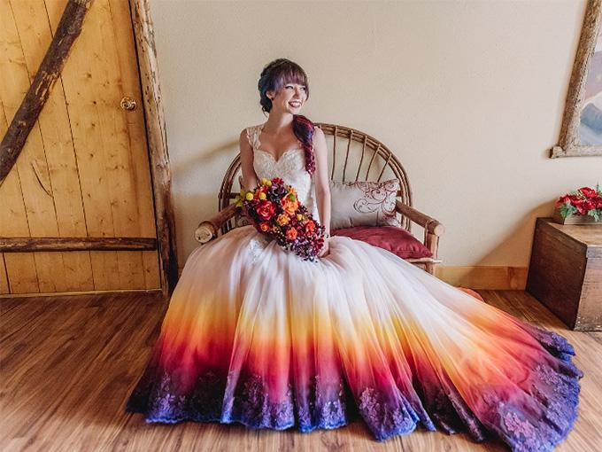 Энн Тейлор сама раскрасила свое свадебное платье