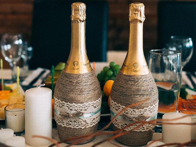 Украшение на шампанское для свадьбы своими руками фото 797