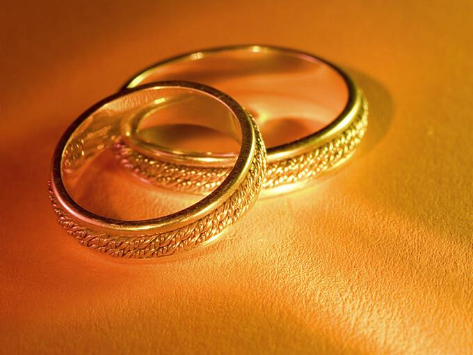 Обручки із золота