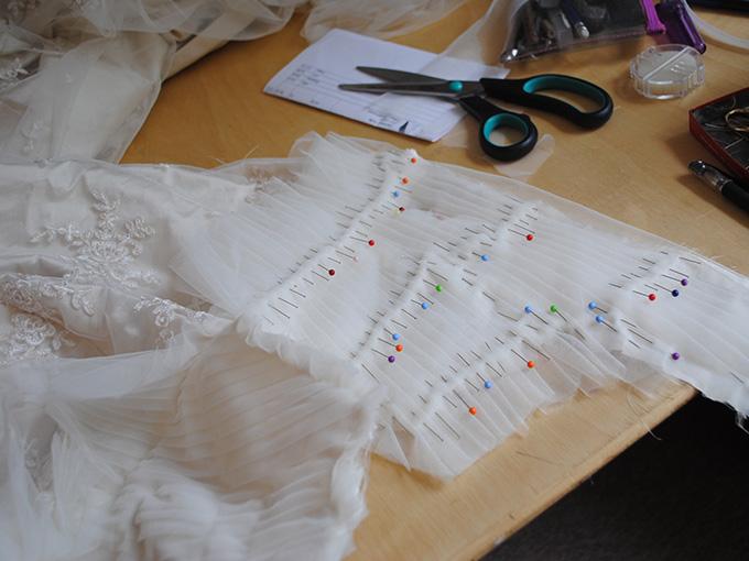 Підготовка до пошиття весільної сукні