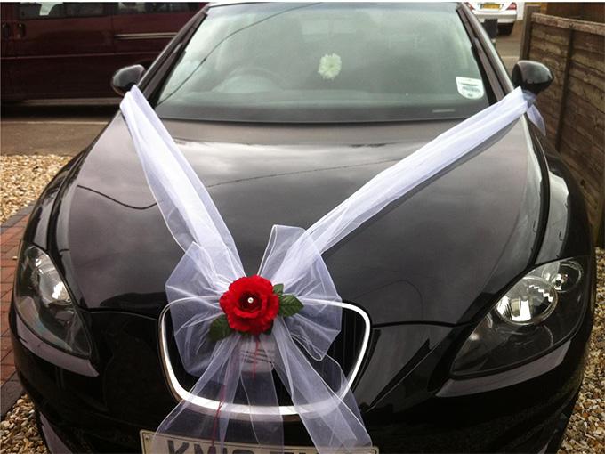 Як зробити бант на весільну машину