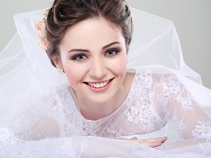 Весільний макіяж для брюнетки