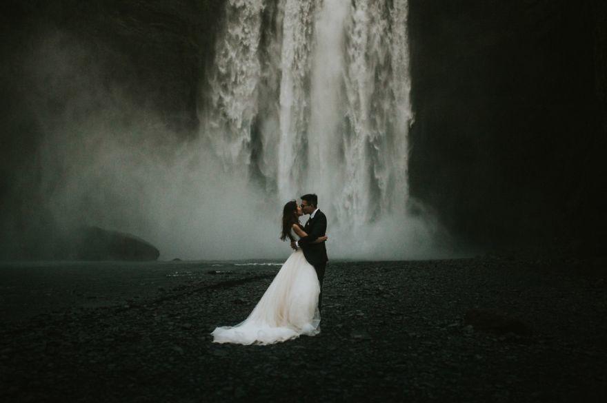Емоції в весільних фото