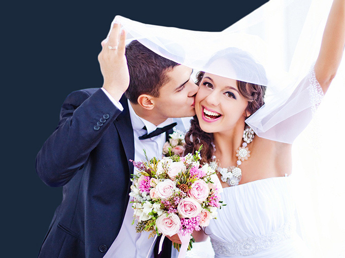 Сукня нареченої і костюм нареченого