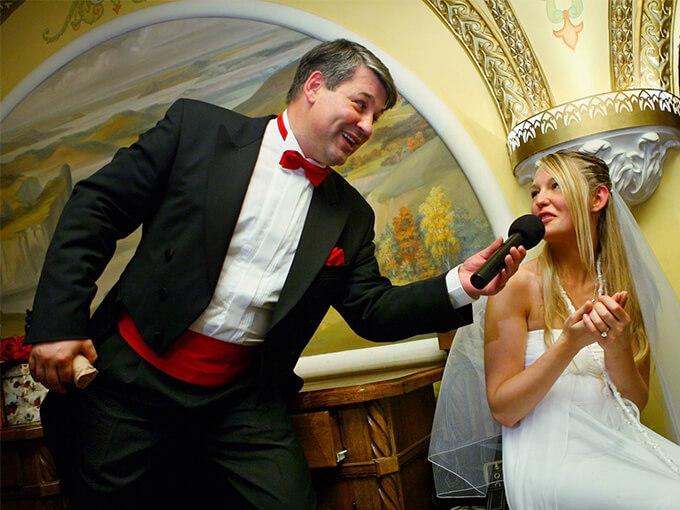 Тамада на весіллі