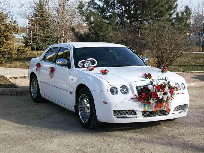 Украшения на авто на свадьбу