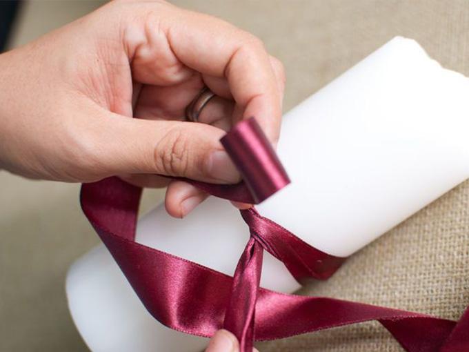 Як прикрасити свічки на весілля своїми руками
