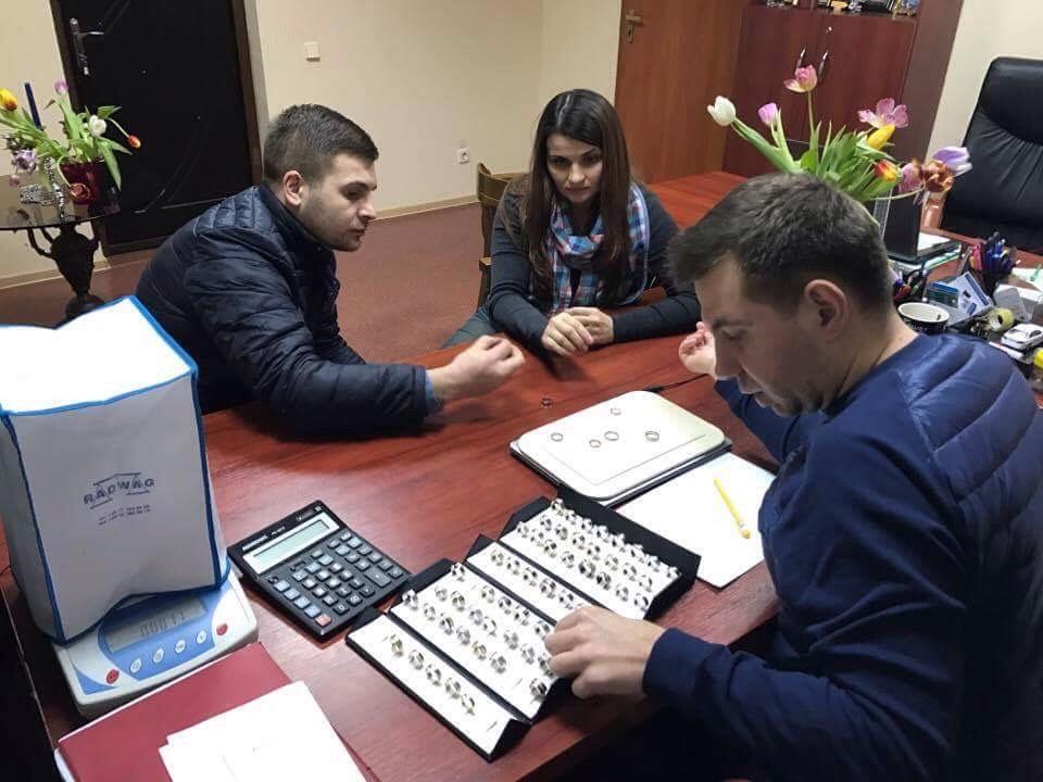 Лилия и Дмитрий Блохины выбирают кольца