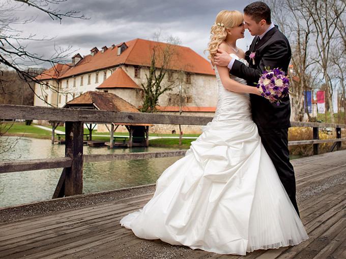 Свадьба в Словении, Замок Оточец