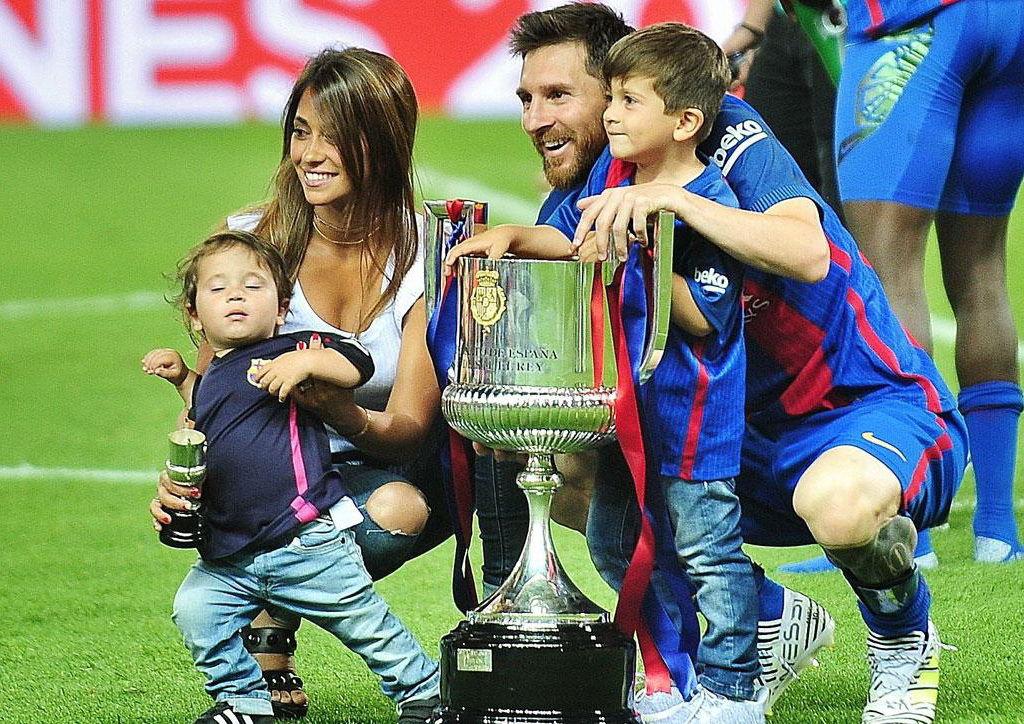 Лео Месси с семьей