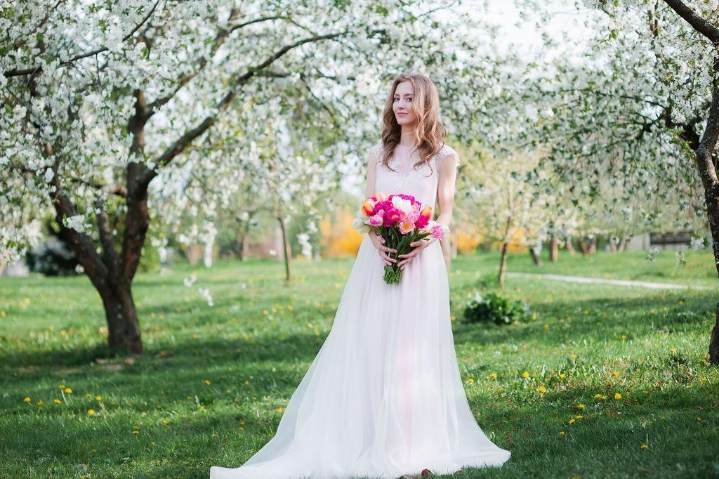 Фотосъёмка свадебных платьев от Studio 'Instants'