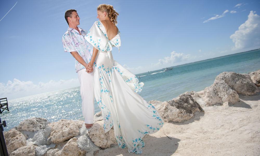 Свадебный наряд для свадьбы на островах
