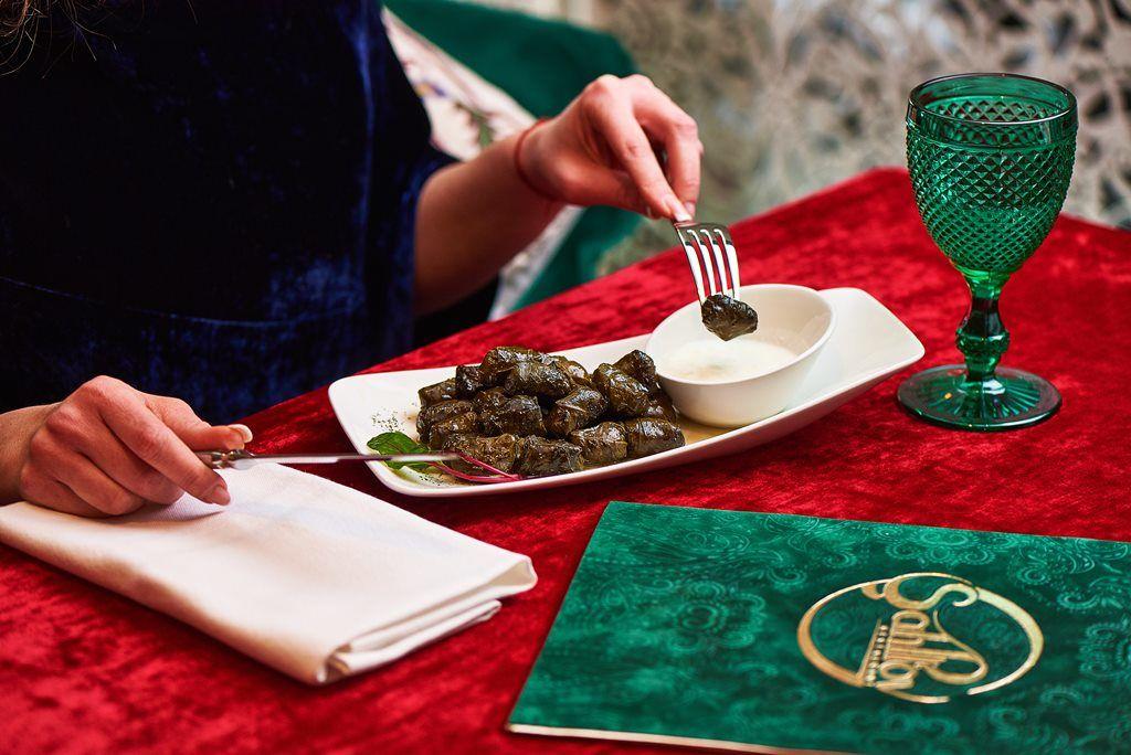 Восточные блюда в ресторане 'Shah-Plov'