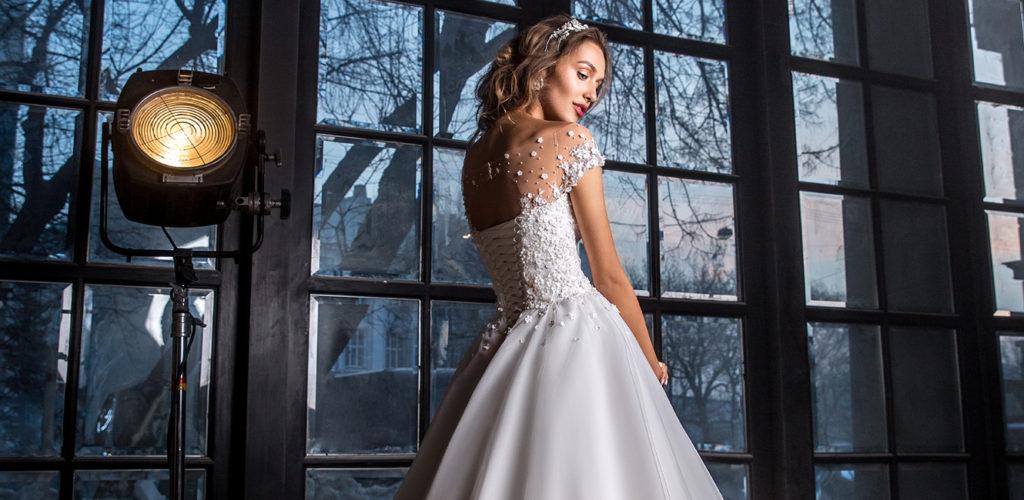 Элегантное свадебное платье коллекции 2017-2018