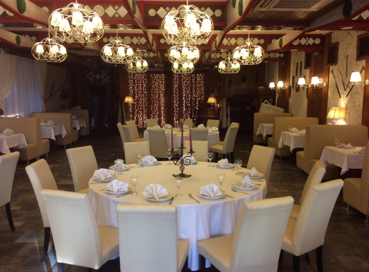Уютная атмосфера ресторана 'Верховина'